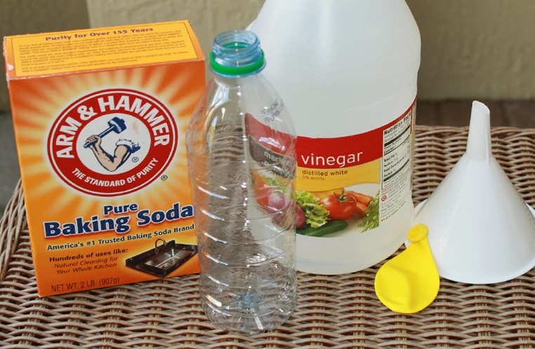 baking soda with vinegar